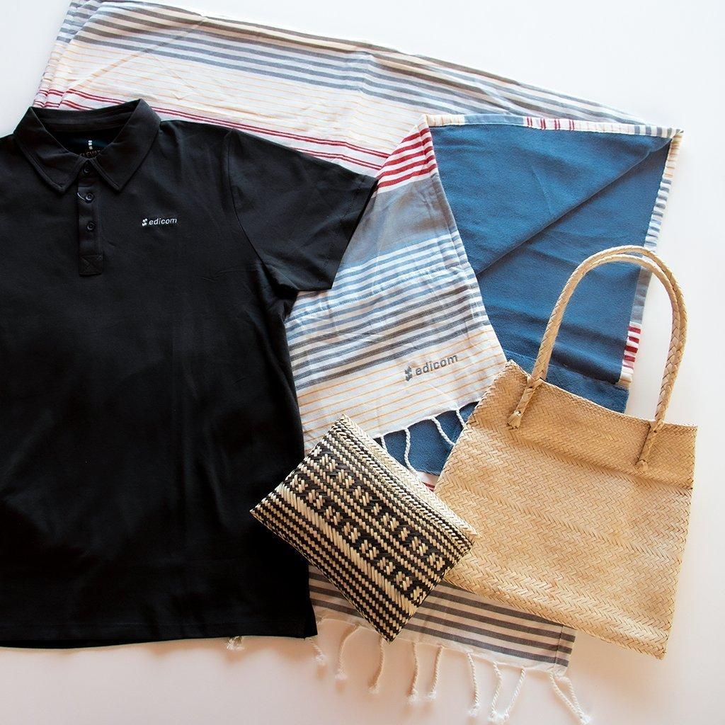 EDICOM obsequia a sus empleados con su tradicional kit de verano