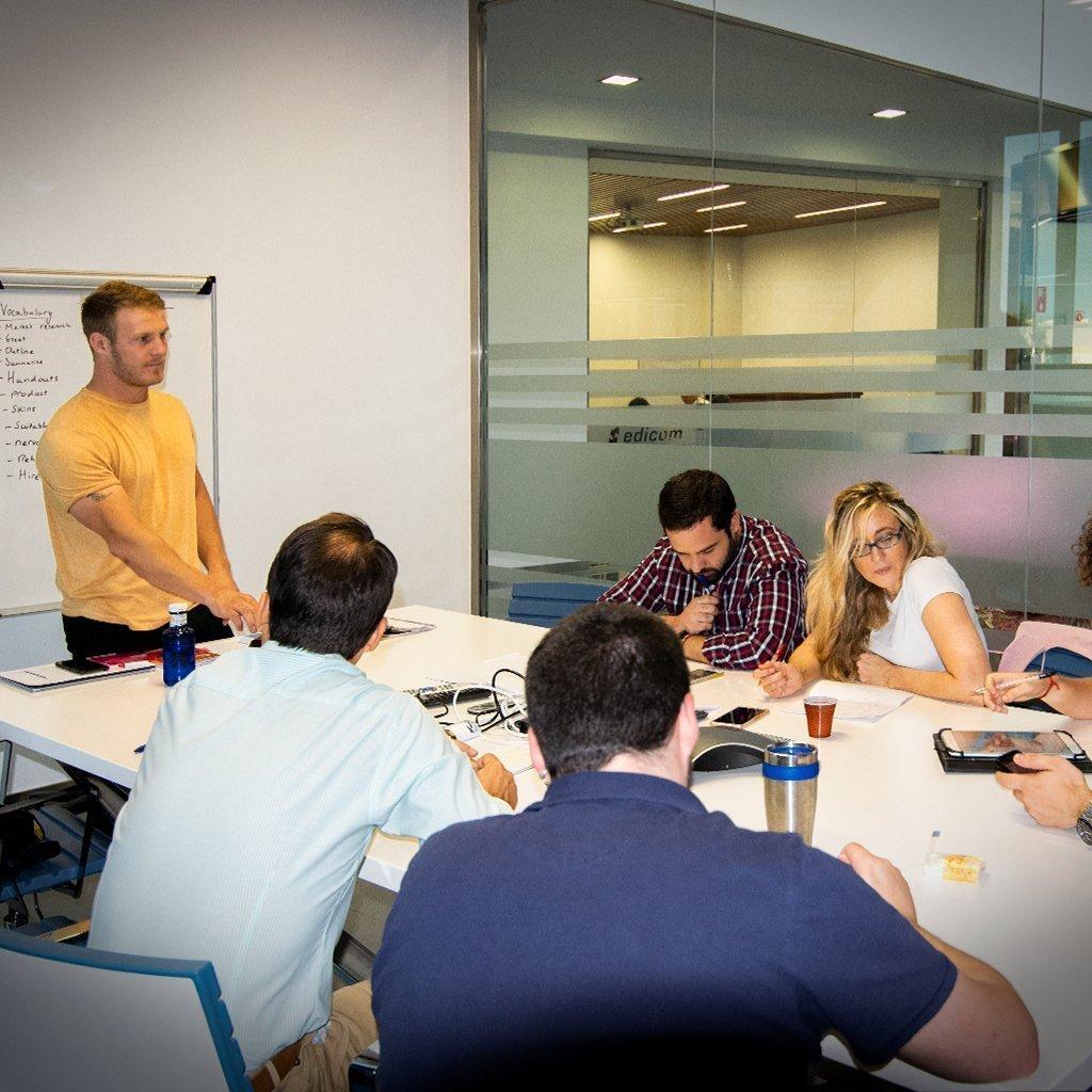 EDICOM comienza sus clases de idiomas para empleados