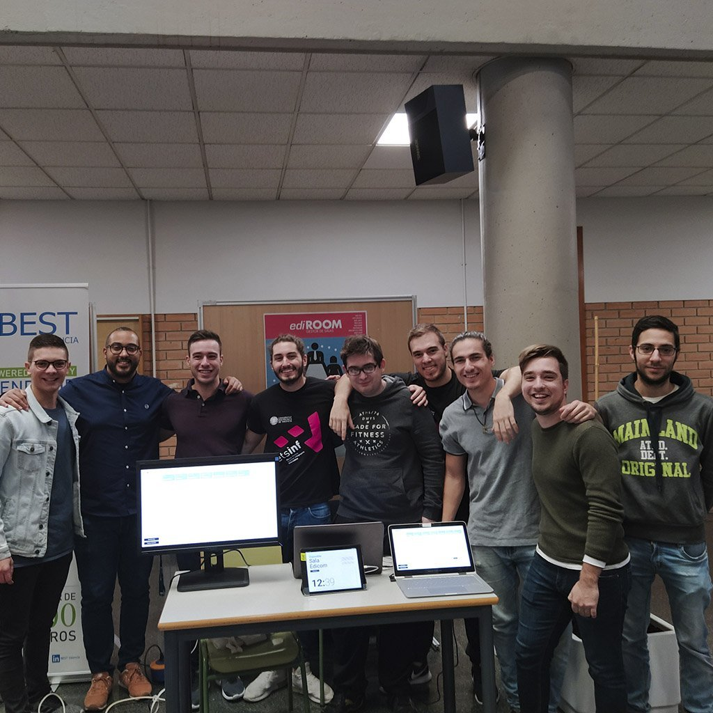 Students from ETSINF-UPV develop two software engineering projects